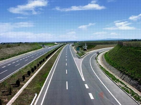 津汕(威乌)公路冀津界至冀鲁界段高速公路工程
